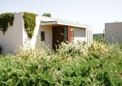 Une architecture moderne se mariant parfaitement avec la nature environnante