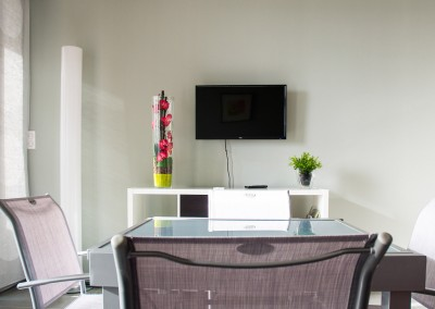 Nos gîtes possèdent une télévision et un salon agréable pour vous détendre